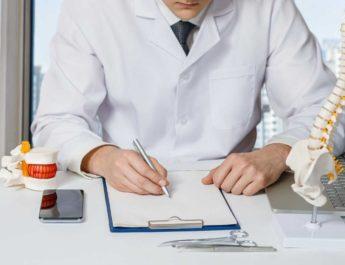medico-especialista-ortopedia