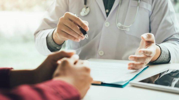 quando-consultar-medico-para-dor-joelho